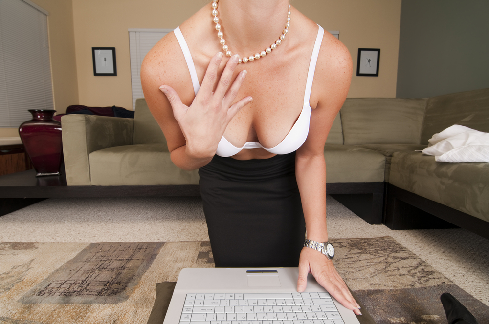 11-tips-how-to-make-money-as-a-camgirl
